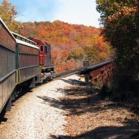Arkansas & Missouri Fall Foliage Train Ride from Van Buren to Springdale, Киблер