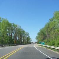 TREES LINE THE LOCK AND DAM 13 BRIDGE - GOING SOUTH, Киблер