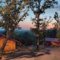 Mena Mountaintop Cabins, Мак-Каскилл