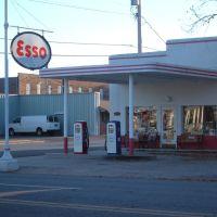 Old Esso, Мена