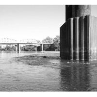 Old Steel Bridge supports, low water, Олбани