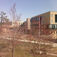 Walton College mini-campus in spring, Фейеттевилл