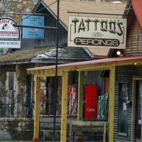 2010, Hardy, Ar, USA - tattos, Харди