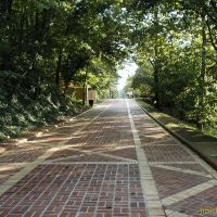 Brick walkway behind the Bath Houses in Hot Springs, Ar. (August 2003), Хот-Спрингс