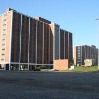 Neilson Dorm, Эмерсон