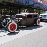 Street rod parked in front of Atrium Plaza, 201 E. 2nd St., Casper, Wyoming, viewing south-westerly, Каспер