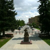 Viewing south-south-easterly from the steps of the Wyoming State Capitol Building at Capitol Ave. from its intersection with W. 24th St. Cheyenne, Wyoming, Шайенн