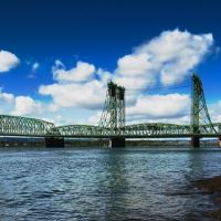 the I-5 Interstate Bridge between Portland and Vancouver, Ванкувер