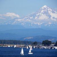 Sailing Below Mt. Hood, Ванкувер
