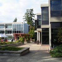 Bellevue Community College, WA, Истгейт