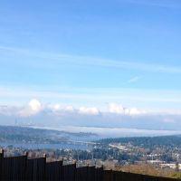 Seattle skyline and Mercer Island, I-90 crossing Lake Washington, from Bellevue, Washington, Истгейт