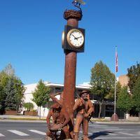 Pioneer sculptures in Colville, WA., Колвилл