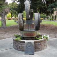Arden Grist Mill Stones, Stevens County Courthouse Lawn, Colville, WA, Колвилл