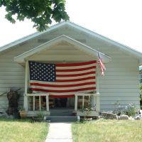 American Home, Омак