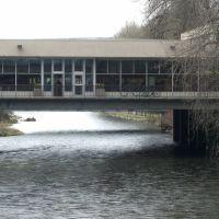 Renton Library - over the Cedar River, Рентон