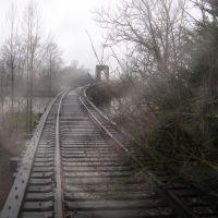 Railroad tracks on a soggy day, Сноухомиш