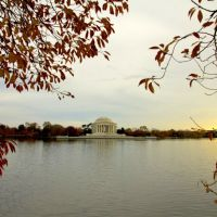 Nhà tưởng niệm Thomas Jefferson  (Thomas Jefferson Memorial), Томпсон-Плэйс