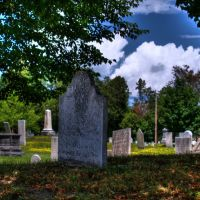 Cemetary with headstones from the early 1800s! (HDR), Берлингтон