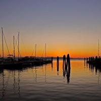 Sunset at Burlington Bay (Vermont) - This image shows a part of the Burlington Bay in Vermont., Берлингтон