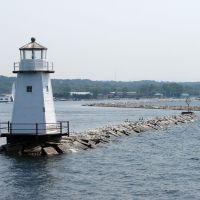 North Light and the Burlington Breakwater, Lake Champlain, Берлингтон