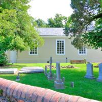 VIRGINIA: YORK COUNTY: YORKTOWN: Grace Episcopal Church (1697), 111 Church Street cemetery, Йорктаун