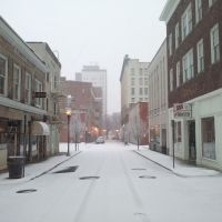 Looking down Kirk Ave in Blizzard in Roanoke, Роанок