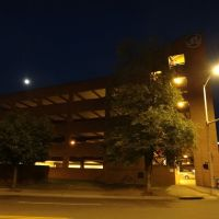 Elmwood Garage moon, Роанок