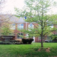 Swanson Middle School, Севен-Корнерс