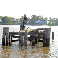 TMSP - Disused Oil Unloading Pipeline Jetty on the Rappahannock River at Tappahannock, Таппаханнок