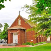 VIRGINIA: ESSEX COUNTY: TAPPAHANNOCK: old St. Timothy Catholic Church (1949), 708 Church Lane (U.S. Route 17), Таппаханнок