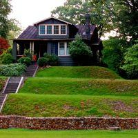 Terraced Lawn, Хайленд-Спрингс