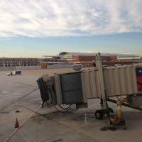 Richmond International Airport, Хайленд-Спрингс