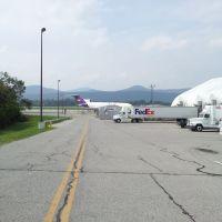 Fedex plane distant, Холлинс