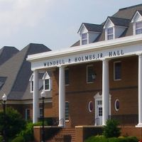 Hampton University - White & Holmes Halls (Honors Dorms), Хэмптон
