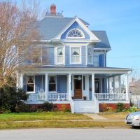 VIRGINIA: HAMPTON: private residence on Victoria Boulevard, Хэмптон