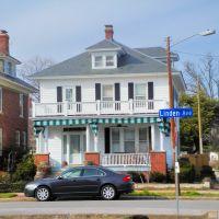 VIRGINIA: HAMPTON: private residence, 50 Linden Avenue and Bridge Street, Хэмптон