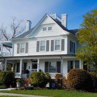 VIRGINIA: HAMPTON: private residence, 60 Columbia Avenue, Хэмптон