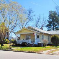 VIRGINIA: HAMPTON: private residence, 312 Old Point Avenue, Хэмптон