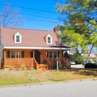 VIRGINIA: HAMPTON: private residence, 311 Old Point Avenue, Хэмптон