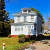 VIRGINIA: HAMPTON: private residence, 539 Old Point Avenue, Хэмптон