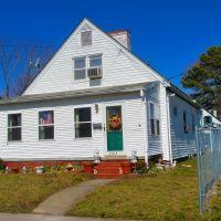 VIRGINIA: HAMPTON: private residence, 1203 East Pembroke Avenue, Хэмптон
