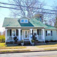 VIRGINIA: HAMPTON: private residence, 910 East Pembroke Avenue, Хэмптон