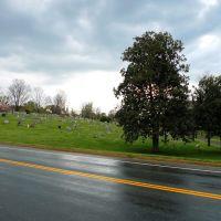 Oakwood Cemetery viewed from Elliot Ave, Чарлоттесвилл