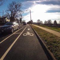 6th St. SE - dedicated bike line, Чарлоттесвилл