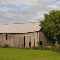 Tumbledown Barn, И-Клер