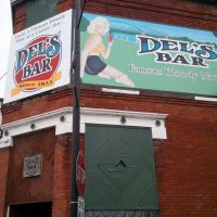 Dels Bar, LaCrosse, WI -- Landmark of 3rd Street, Ла-Кросс
