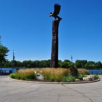 The Eagle Sculpture, Riverside Park, La Crosse, WI, Ла-Кросс