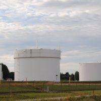 Chemical Tanks, Carson, Манитауок