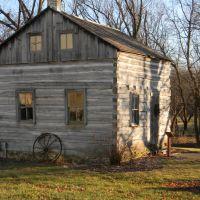 Umhoefer House 1856, Меномони Фаллс