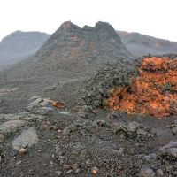 2014-05-01 Lava vents of bright colours., Лиху